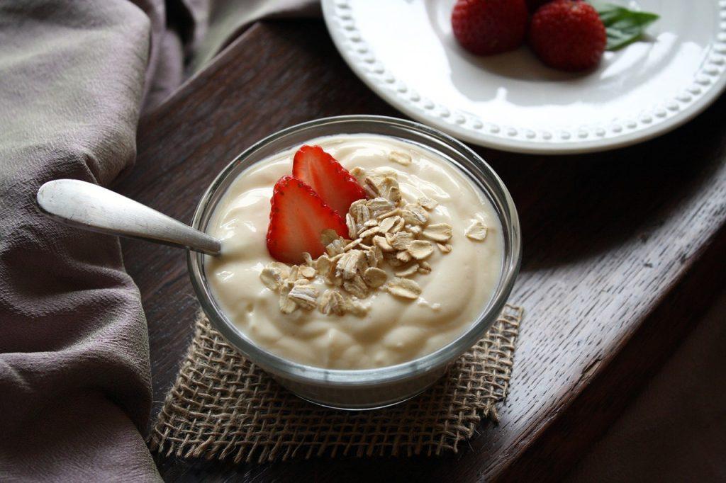 yogurt-1442033_1280
